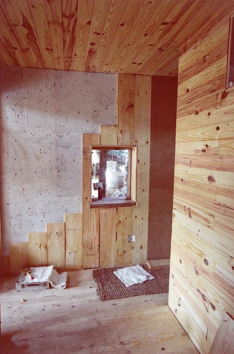 pared con papel de arroz y hojas de téJPG